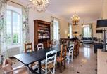 Location vacances Saignon - Beautiful home in Apt with Outdoor swimming pool, Wifi and 7 Bedrooms-4
