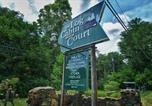 Hôtel Asheville - Log Cabin Motor Court-4