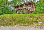 Location vacances Bryson City - Bryson City Cabin with Private Hot Tub and Pool Table!-3