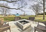 Location vacances Jackson - Farm-Style Ste Genevieve House with Fire Pit!-3