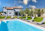 Location vacances Vodnjan - Stunning home in Vodnjan with Outdoor swimming pool and 3 Bedrooms-1