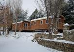 Camping avec Piscine couverte / chauffée Axat - Les Jardins D'Estavar-4