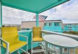 Location vacances Harkers Island - Beachfront Condo with Boardwalk and Pool Access!-3
