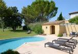 Location vacances Grans - Villa de 3 chambres a Mallemort avec magnifique vue sur le lac piscine privee jardin amenage a 32 km de la plage-3