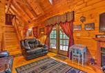 Location vacances Forest City - Cabin on 3 Acres with Deck and Fire Pit - 5mi to Tiec!-4