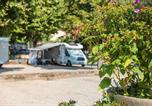 Camping  Acceptant les animaux Rhône - Camping des Barolles-1