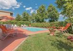 Location vacances Borgo San Lorenzo - Holiday Home Villa Elisa 09-4