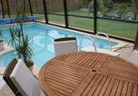 Location vacances Girondelle - Quaint Chalet with Private Pool in Lesneven-3