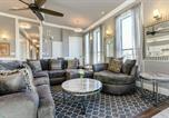 Location vacances New Orleans - Hosteeva 5br Penthouse Steps to the Streetcar & Fq-1