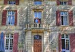 Hôtel Saint-Etienne-du-Grès - Chateau De Roussan-1
