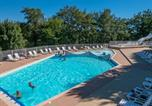 Camping avec Piscine Aveyron - Camping Les Terrasses du Lac -1