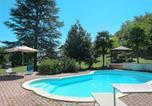 Location vacances  Province de Viterbe - Locazione Turistica Casa nel bosco (Lvc145)-1