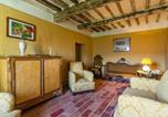 Location vacances  Province de Pistoia - Spacious Holiday Home in Marliana Italy with Private Garden-4