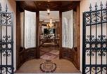 Hôtel Caslano - Quisigusta Miraval Suites B&B-4