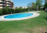 Location vacances Almoster - Apartment with 4 bedrooms in Salou with shared pool and Wifi-1