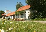 Location vacances Nieuwvliet - Cosy Holiday Home in Schoondijke with Terrace-2