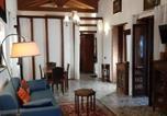 Location vacances Decimomannu - Domus Petrarca Guesthouse-2