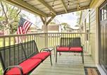 Location vacances Magnolia - Relaxing Tomball Retreat Walk to Main Street-1