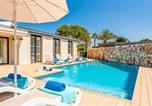 Location vacances Minorque - Villa in Cala'N Blanes Sleeps 8 with Air Con and Wifi-4