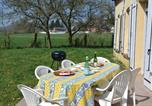 Location vacances Rouvroy-sur-Serre - Three-Bedroom Holiday Home in Chigny-3