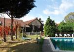 Location vacances Bourbon-Lancy - Chambres d'Hôtes Domaine du Bourg-1