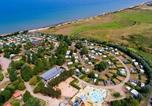 Camping avec Hébergements insolites Baubigny - Capfun - Camping Donjon de Lars-4