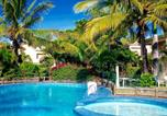 Location vacances Flic en Flac - Beachfront Villa in a beautiful and secured complex-1
