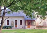 Location vacances Breil - Holiday home Neuillé with a Fireplace 441-1