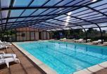 Camping avec Piscine couverte / chauffée Chazelles-sur-Lyon - Camping La Grappe Fleurie-1
