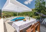 Location vacances Klis - Apartment Klis with Hot Tub Xiii-4