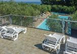 Location vacances  Province d'Imperia - Stunning apartment in Imperia with Outdoor swimming pool and 1 Bedrooms-1
