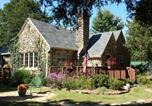 Location vacances Branson West - Rock Cottage Gardens B&B-1