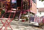 Location vacances Les Ardillats - La Roulotte du Granit Doré-3