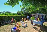 Camping avec Hébergements insolites Dordogne - Le Plein Air des Bories-3