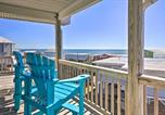 Location vacances Harkers Island - Emerald Isle Retreat with 2 Decks and Ocean Views-1
