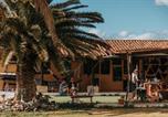 Hôtel Adeje - Twin Fin Surf Camp-1