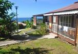 Location vacances Vieux Habitants - Bungalow with 2 bedrooms in Bouillante with furnished terrace and Wifi 100 m from the beach-2