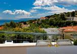 Hôtel Lovran - Modena Maris-new swim-grill-relax-jacuzzi apartments-3