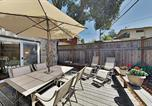 Location vacances Capitola - Coastal Getaway with Pool Table - Stroll to Beach home-4