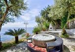 Location vacances Praiano - Praiano Villa Sleeps 6 Air Con Wifi-1