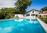 Location vacances Arbonne - Arbonne Villa Sleeps 14 Pool Wifi-1