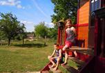 Camping avec Hébergements insolites Champs-Romain - La Ferme de Sirguet-3