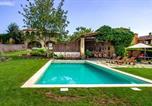 Hôtel Gérone - Masía Can Grau en entorno natural con piscina, jardín y caballos-4