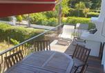 Location vacances Léognan - Belle maison avec 7 chambres, cuisine, 2 Sdb et grand jardin à 5 minutes de Bordeaux-2