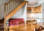 Location vacances Egliseneuve-d'Entraigues - Apartment Le Bois de la Reine.7-2