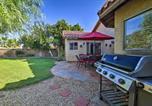 Location vacances La Quinta - La Quinta Home with Saltwater Pool, Hot Tub and Yard!-3
