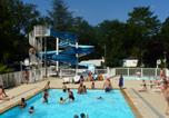 Camping avec Ambiance club Allier - Parc Camping les Acacias-3