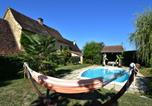 Location vacances Saint-Médard-d'Excideuil - Chic Holiday Home in Aquitaine with Swimming Pool-1