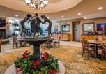 Hôtel Pecos - Best Western Plus Swiss Chalet Hotel & Suites-4