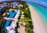 Location vacances Flic en Flac - Cap Ouest Beachfront Luxury Penthouse-1